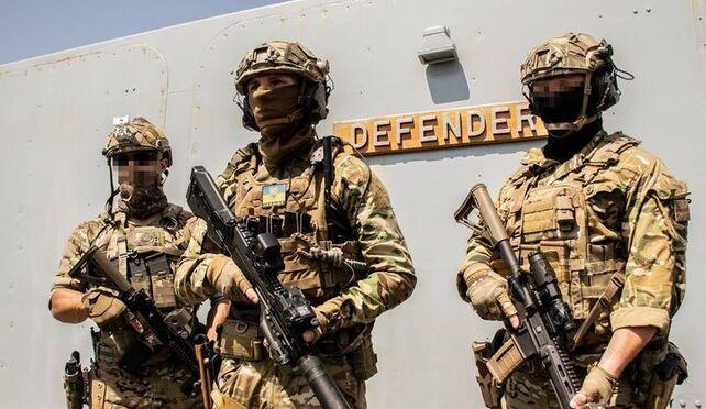 HMS Defender'ın katılımıyla tatbikatlar