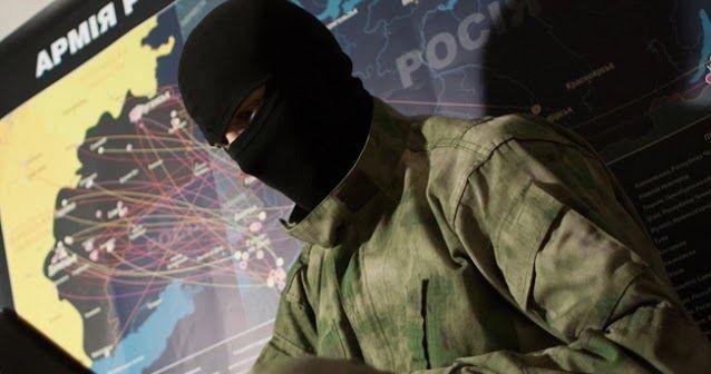 """Създател на общността е Роман Бурко – военен журналист от Севастопол, съосновател на проекта е военният анализатор от Грузия Ираклий Комахидзе. InformNapalm разполага и със собствени """"полеви"""" информатори"""