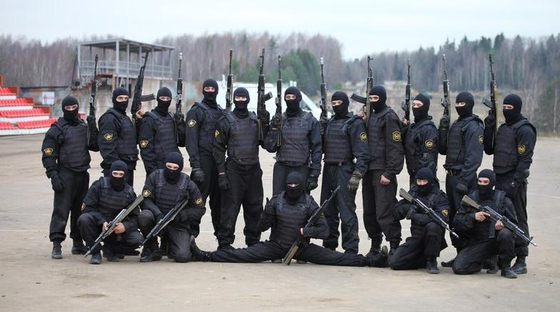 """Soldater fra den 604. specialenhed """"Vityaz"""""""