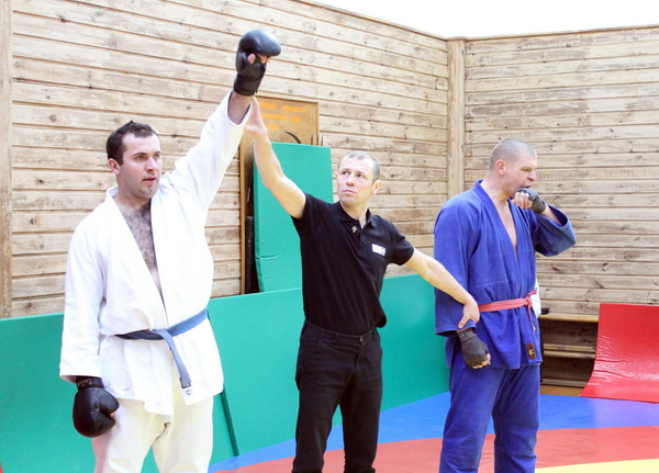 Anatolij Prymak står längst till höger