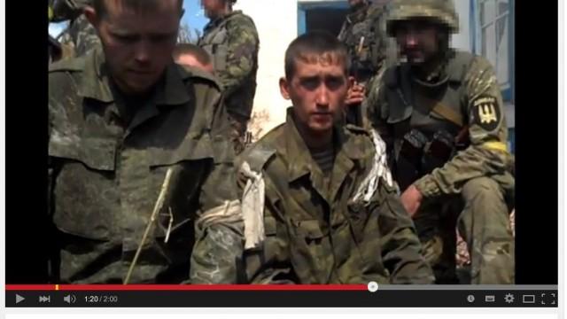 Uživatelé internetu identifikovali zajaté ruské vojáky u Ilovajsku 07