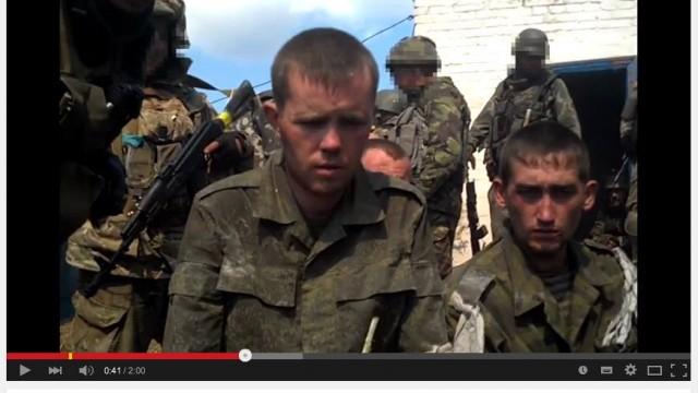 Uživatelé internetu identifikovali zajaté ruské vojáky u Ilovajsku 17