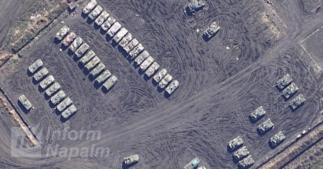 Russisk militærudstyr fotograferet af droner i det østlige Ukraine