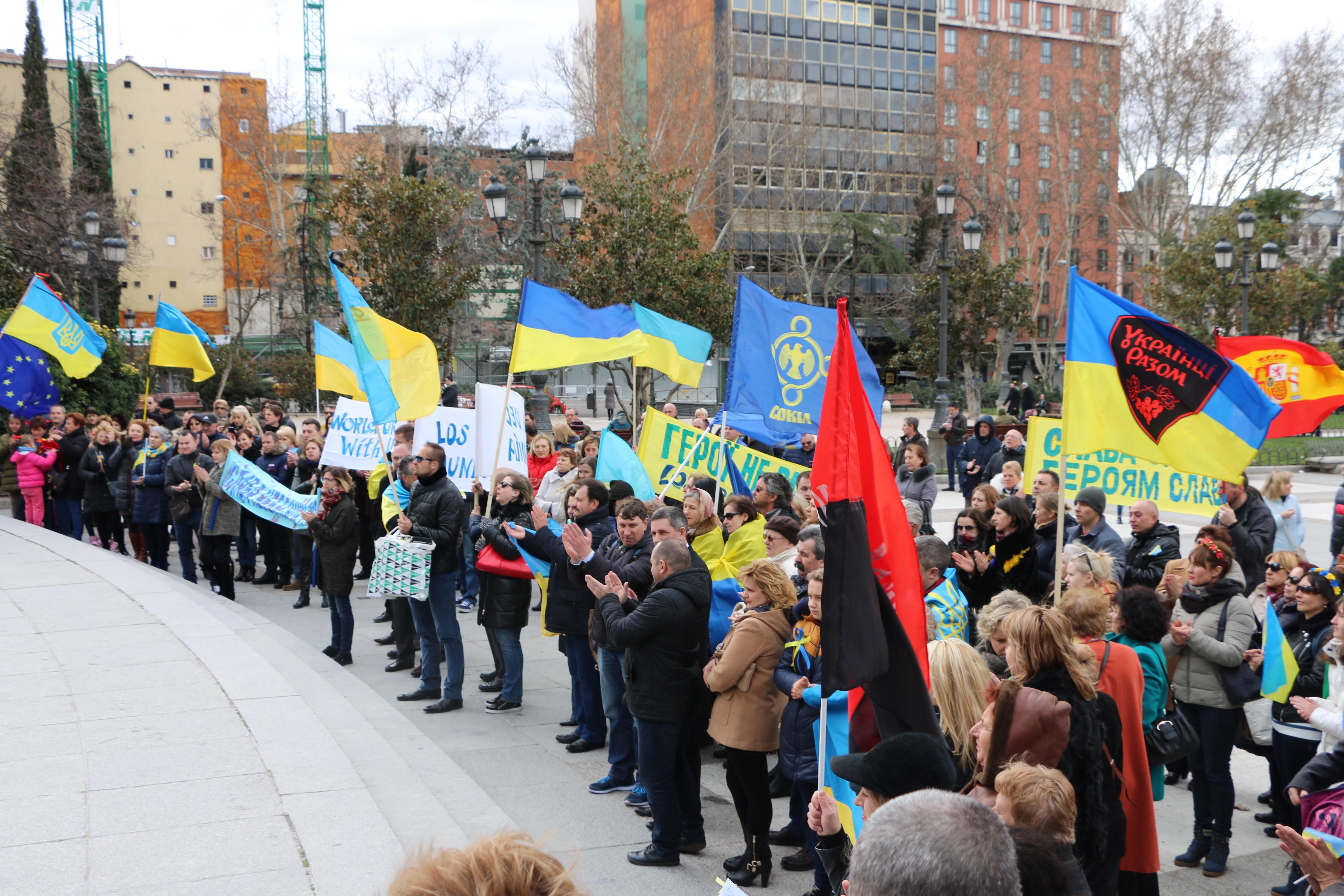 Por Ucrania contra ru