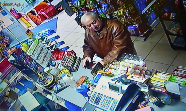 Sergei Skripal i ett köpcentrum i Salisbury, Storbritannien