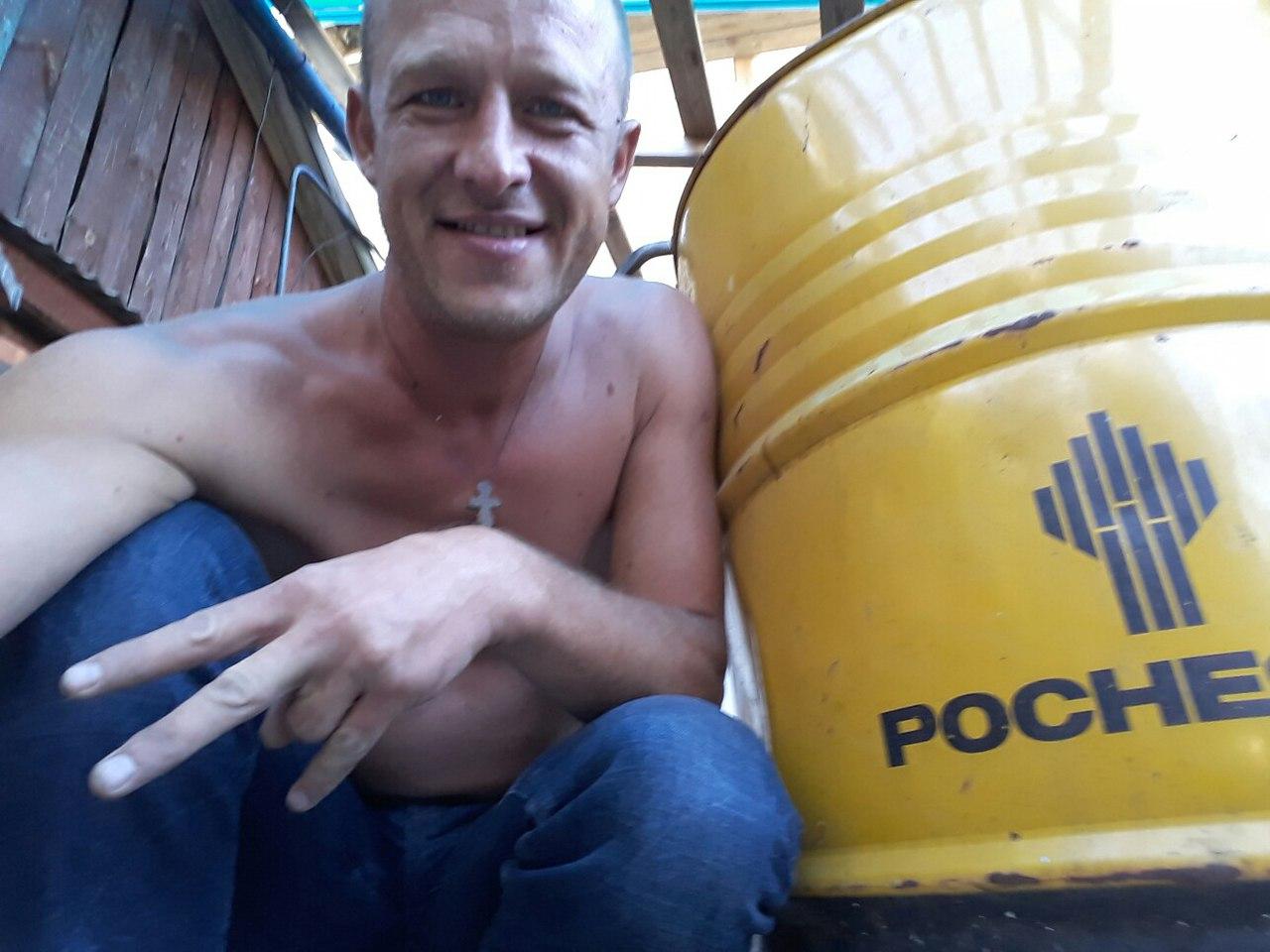 Evgenij A. Tiotin, 30 november 1982, dömd för gruppvåldtäkt 2008