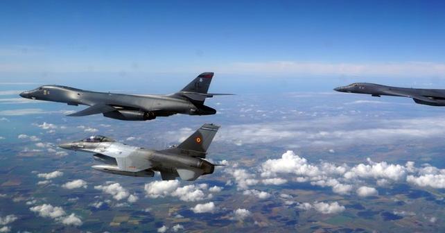 ABD B-1'leri, uzun menzilli stratejik misyonun bir parçası olarak Türk uçaklarıyla entegre oluyor