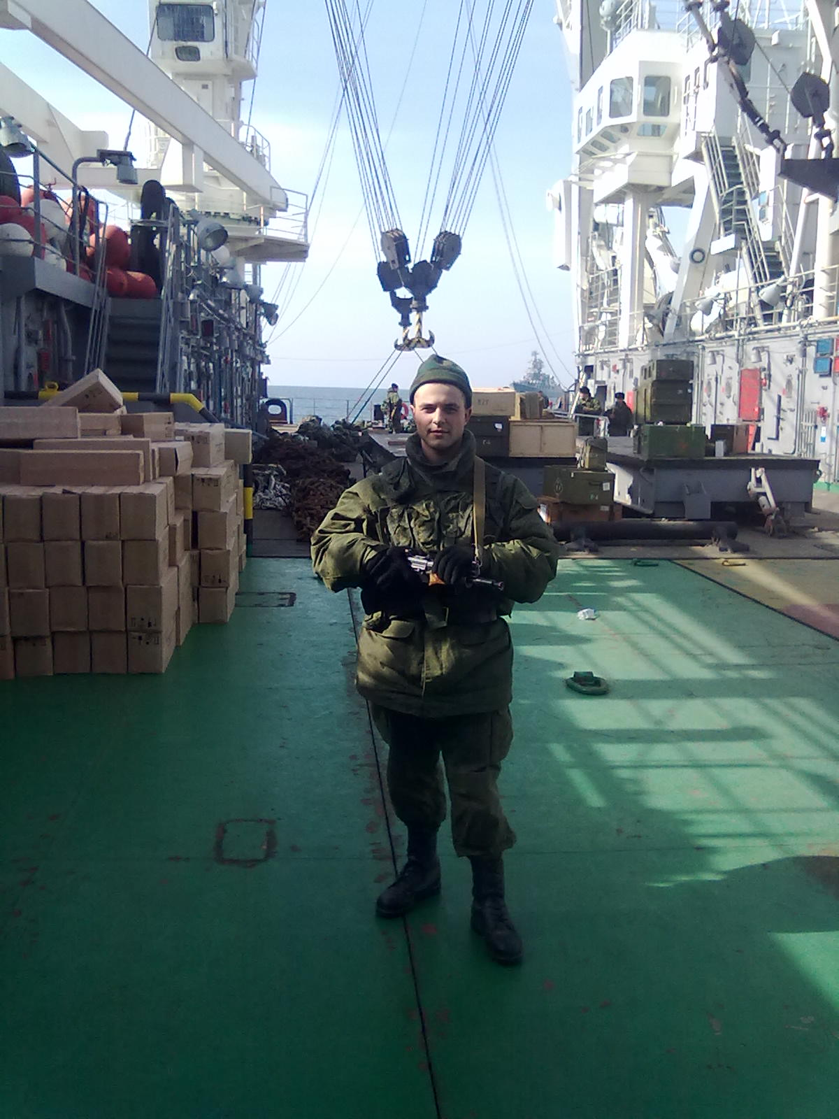 Anton Karmelawicius auf dem Offshore-Schiff KIL-158