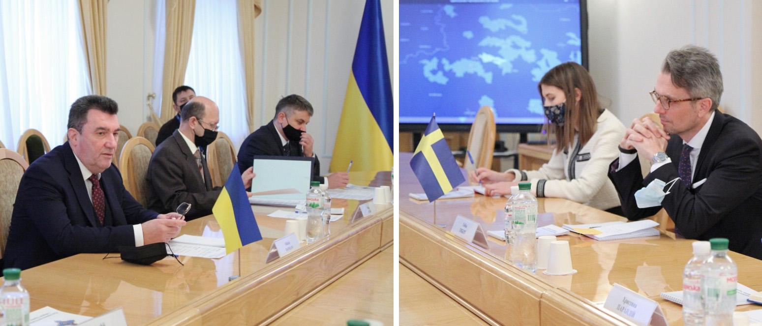 Ukrayna və İsveç nümayəndələri arasında görüş