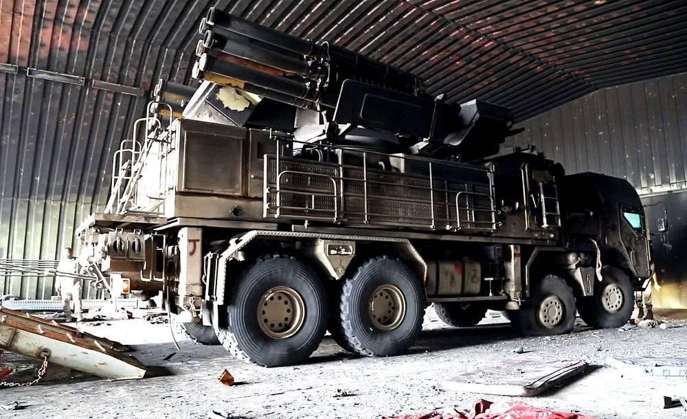 Libya'da ele geçirilen bir Pantsir C1 sistemi