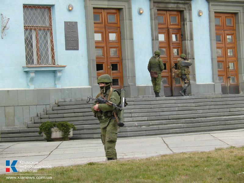 Фотография опубликованая Крымским новостным агентством 1-го марта 2014-го