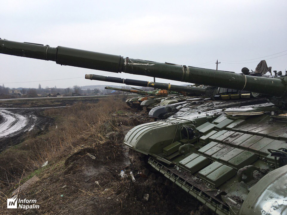 T-72B och T-80BV nära gränsen mot Ukraina