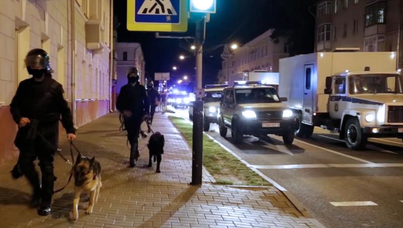 Hviterussisk politi kjemper mot protester i Gomel